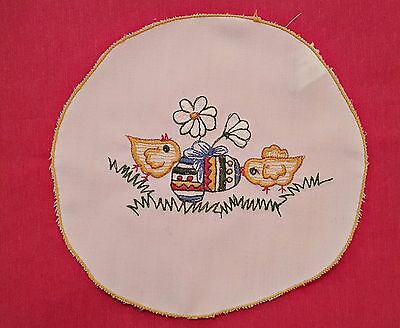 Vintage Easter Chickens Eggs Embroidery White Yellow Green Round Placemate Doily