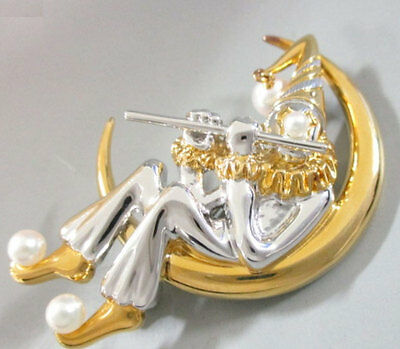 Mikimoto brooch akoya pearl clown moon  Authentic carved seal japan fine gold