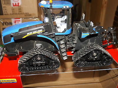 Britains  1;32 Scale New Holland T9.565 Quadtrac  Conversion   Boxed