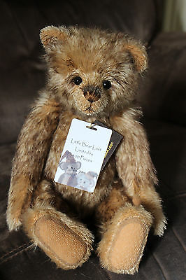 Charlie Bears - Little Bear Lost - Isabelle Lee Mohair Collection - SJ5487