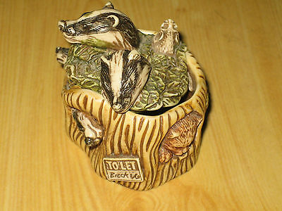 HARMONY KINGDOM Style -----HOUSE PARTY-----BADGERS AND SET TRINKET BOX
