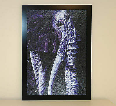 Textured picture ''Elephant'' by Hoshi Dee