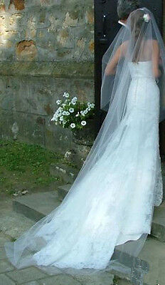Stunning Pronovias Lace Wedding Dress - Size 8 - New, with tags