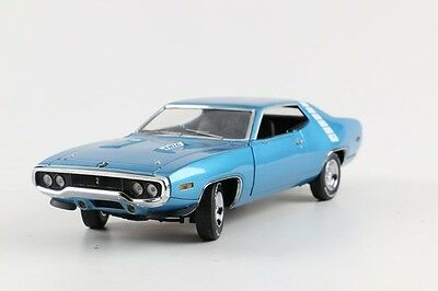 Franklin Mint 1971 Plymouth Roadrunner - Limited Edition of 5,000 - 440 - 6 Pack