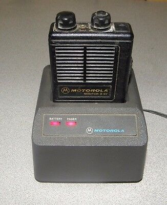 Motorola Minitor II SV Stored Voice VHF Pager H03ZVC1222AC with Charger