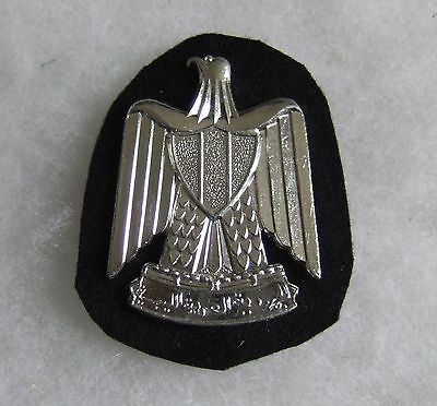 OBSOLETE 1960's ARAB MIDDLE EAST IRAQ POLICE CAP BADGE BRITISH MADE