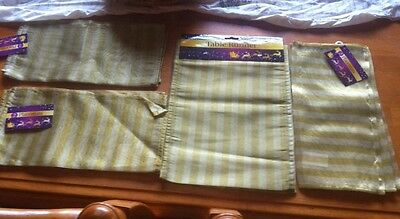 Gold Polyester Striped Table Runner And 6 Place Mats