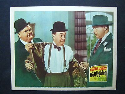 The Bullfighters '45 Laurel & Hardy Are Scared Of Gangster With Knife Lc