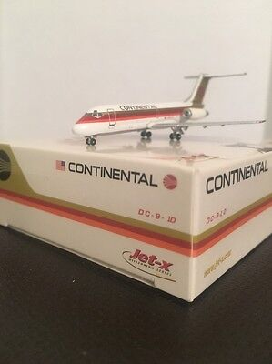 Jet-X 1:400 scale diecast model Continental DC 9 Commercial Airliner