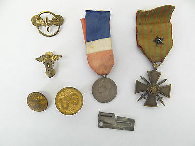 Old World War I WWI Military Medical Repbique Francais A. Gautier Buttons Medals