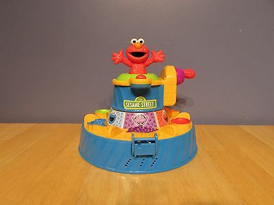 Play-doh Talking Elmo Color Mixer Talks, Plays Pop Goes the Weasel