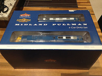 Bachmann 31-256DC Midland Pullman - Blue with Full Yellow Ends 00 Gauge