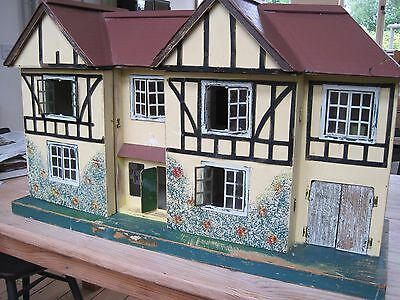 Vintage Triang doll's house (and furniture)
