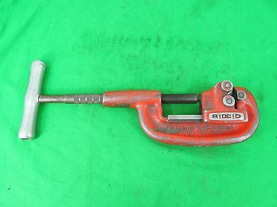 Ridgid No 202 Wide Roll Pipe Cutter - 1/8 to 2 - Manual (hand) Pipe Cutting