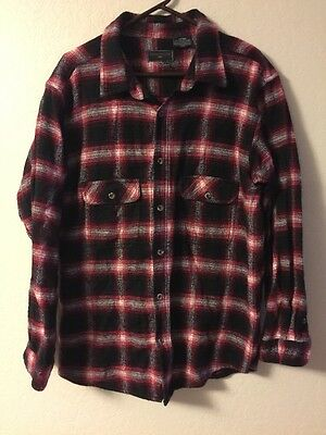Men's Size Large Field & Stream Red Black & White Button Down Collared Flannel