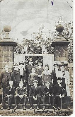 Edwardian Group On The Steps - Policeman - Pottery Lions Vintage Rp Postcard