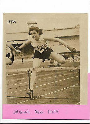 Press Photo - JEAN DESFORGES PICKERING (Great Britain) at White City early 1950s