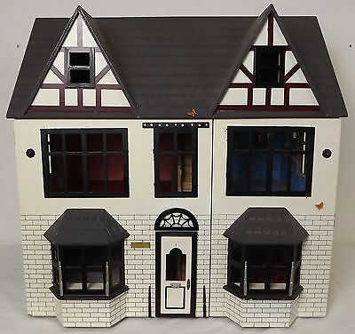MODERN DOLLS HOUSE 1/12th SCALE *MADE UP & PAINTED* LARGE