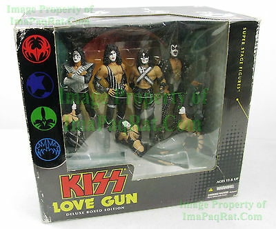 KISS LOVE GUN DELUXE BOX EDITION Super Stage Figures 2004 McFarlane Toys Diorama