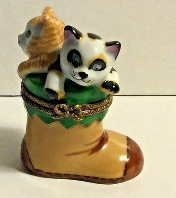 France Limoges Hand Painted Signed SD 13 Two 2 Cats Kittens in Boot Trinket Box