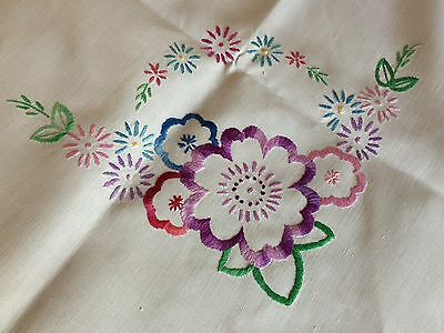 Gorgeous Vintage Hand Embroidered Medium Square White Irish Linen Tablecloth VGC