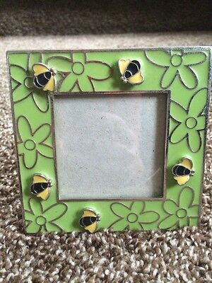 """Bumble Bees 4.5"""" Standing Photo Frame Green Enamel Insect Wasp Hornet Queen Used"""