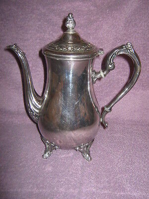 Antique Wm. Rogers silver plate teapot w/ hinged lid #1101