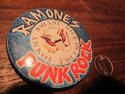 THE RAMONES Vintage PIN BUTTON BADGE - 1977 PUNK ROCK KBD 100% Original 2.50 ""
