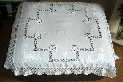 Victorian White Hand Embroidered Drawn Threadwork Crochet Lace Border Tablecloth