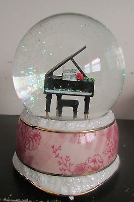 Twinkle Life In Rhythm Chopin Nocturne Musical Water Globe Rotates &Glitter Snow
