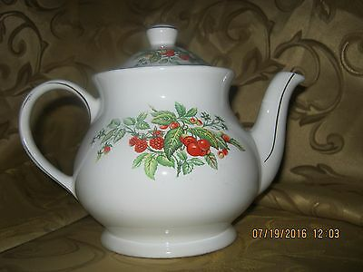 Vintage Sadler RARE White with Red Berries and Gold Trim Teapot