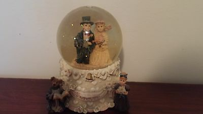 Boyds Bears Wedding Music Box Snow Globe - Yesterdays' Child - 1995
