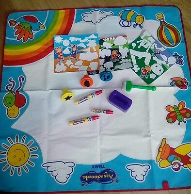 Aqua Doodle draw rainbow mat pens pot and travel mats