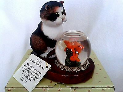 comic & curious cats 'spoiled for choice' 2002 figurine boxed