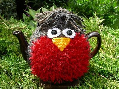 Hand Knitted Robin Tea Cosy – for medium (4-6 cup) teapot