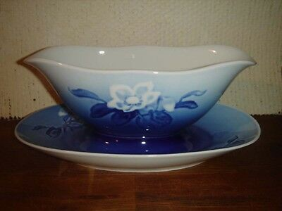 GRAVY BOAT w attached Underplate CHRISTMAS ROSE Bing & Grondahl Royal Copenhagen