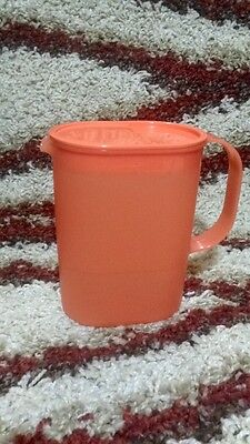 Tupperware Oval Ideal Pitcher Jug with Cover 1 Qt. 1L.