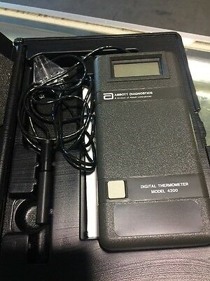 Abbott Diagnostics Digital Thermometer Model 4200 Hand Held Portable with Case