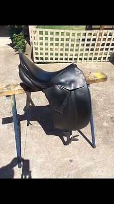 Black Bates Show Saddle