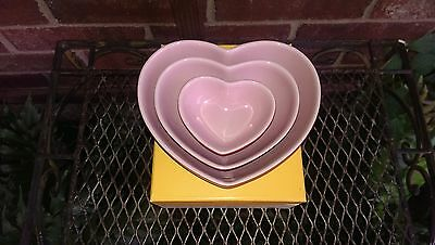 LE CREUSET STONEWARE RARE HEARTS SET OF 3 Pink and Red Gift Boxed
