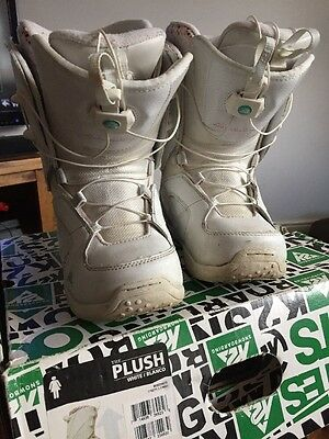 The Plush white snowboarding boots Ladies Size 5