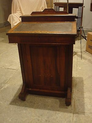 Lovely antique Victorian/Edwardian walnut inlaid davenport in good condition
