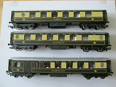 Hornby Set Of 3 Pullman Coaches
