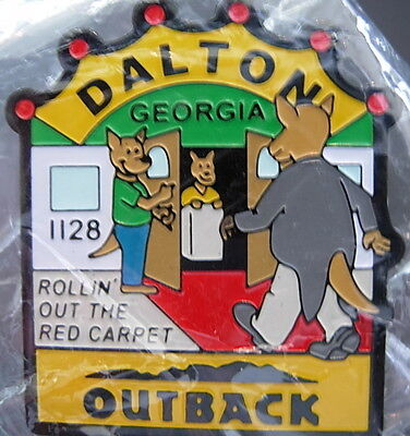 J4166 Outback Steakhouse hat lapel pin Dalton GA