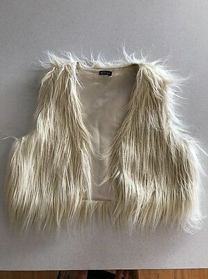 BODY AND SOUL White Fur Crop Fluffy Vest - Size Small - Great for Winter