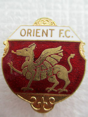 UNIQUE ..ORIENT FOOTBALL CLUB..maker ENGFA IMPORT..RED & WHITE ENAMEL..PIN BADGE