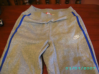 Boys Nike – Grey Jogging Bottoms – Hardly Worn – Size 12-13 Years – Must See !!!