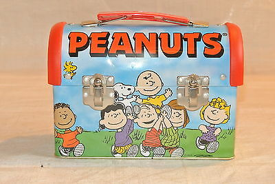 Metal Peanuts Gang Lunch Box Dome Shape