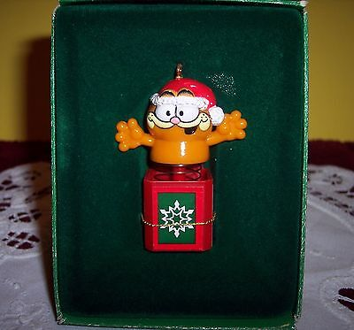 Enesco GARFIELD Ornament ~ CAT IN THE BOX ~ Garfield Jack in the Box