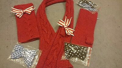 Dolly Dagger scarf and glove set